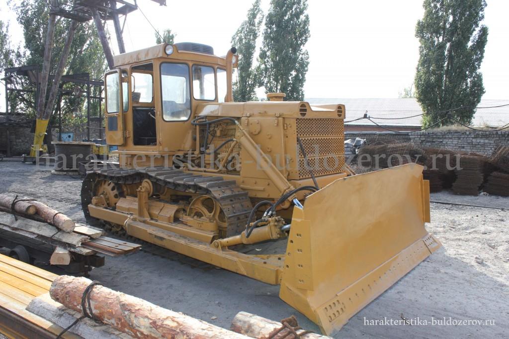 Бульдозер Т-130, трактор Т-130 в лесопромышленом хозяйстве.