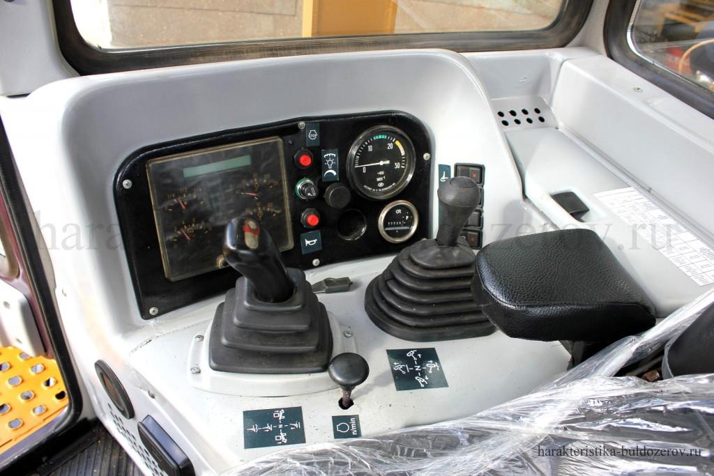 органы управления Т-1101, Т-11.01 Характеристика бульдозер Т-1101, трактор Т-11.01, Т-11.02, ЧЕТРА Т-11